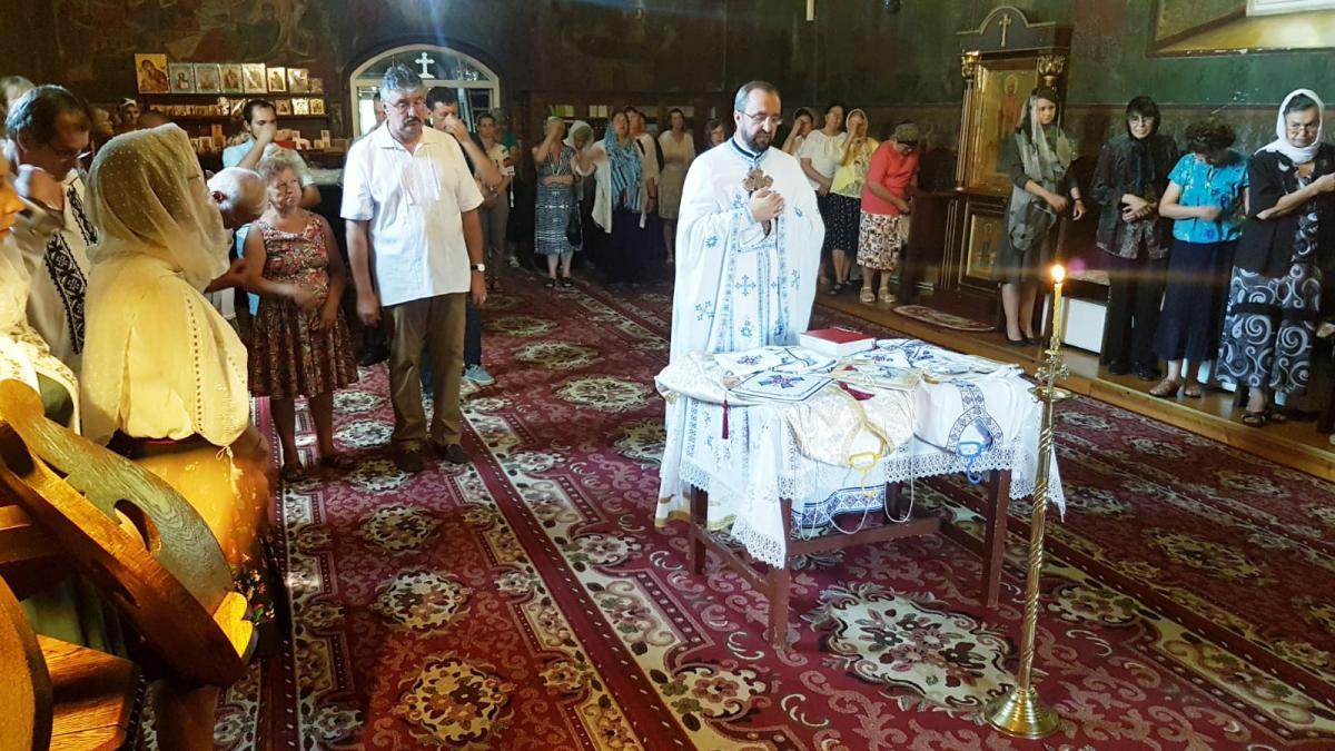 Sfințire veșminte preoțești